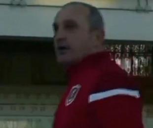 foto: Entrenador italiano golpeó a un jugador y el árbitro lo expulsó