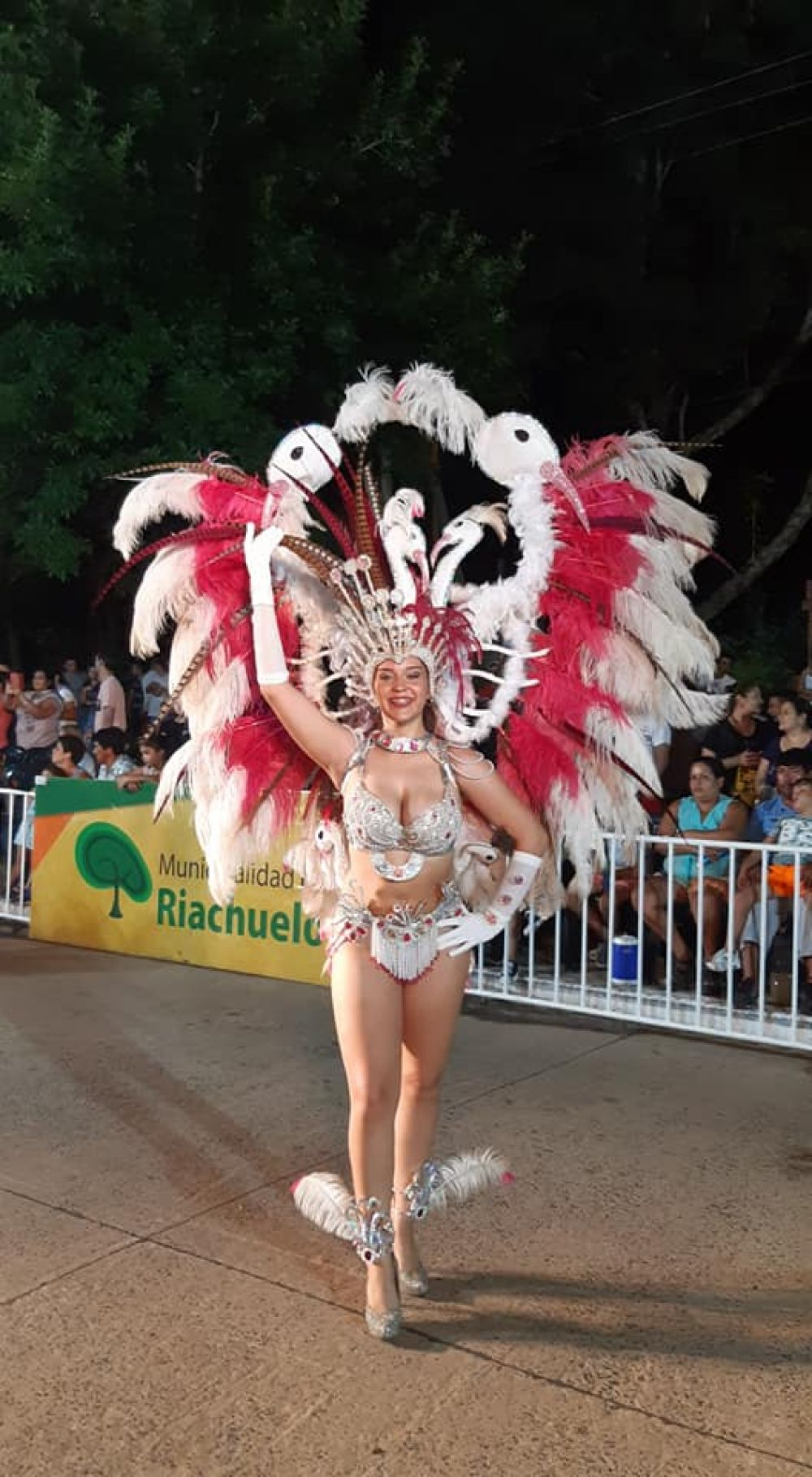 foto: Riachuelo inicia el fin de semana a puro carnaval