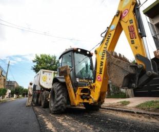 foto: La Provincia trabaja en el asfaltado de calles del B°Progreso