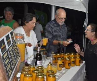 foto: Feria Gastronómica y Artesanal, con artistas y comidas típicas