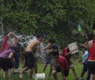 foto: Vuelve el carnaval de agua en el parque Mitre