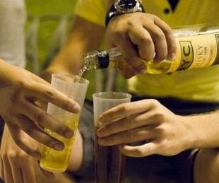 foto: Multarán a padres de alumnos que asistieron borrachos a la escuela