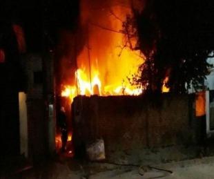 foto: Dejó un brasero prendido y provocó un incendio: perdió su vivienda