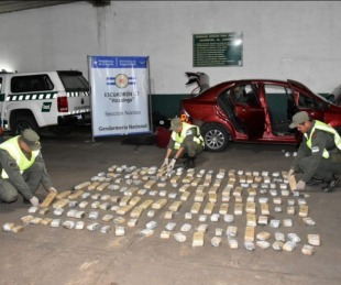 foto: Viajaban hacia Itatí con 69 kilos de marihuana en su automóvil
