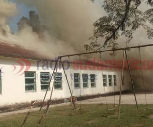 foto: Impactante: incendio en la única escuela de Parada Coco