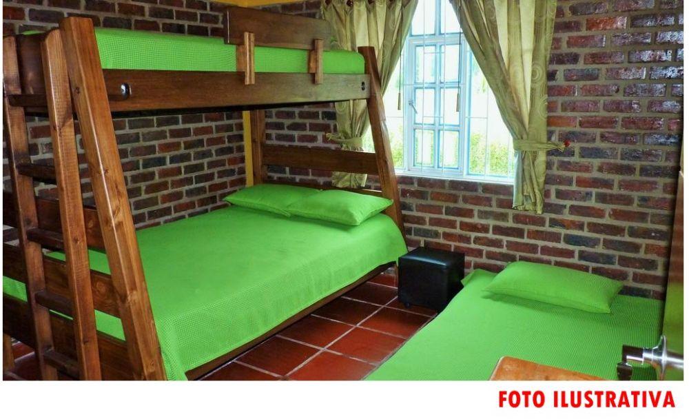 foto: Los dueños de una cabaña en cuarentena tras recibir a turistas