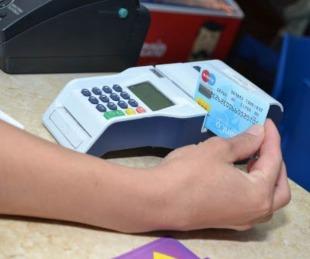 foto: Recomiendan el uso de tarjetas para evitar la circulación del CoViD-19