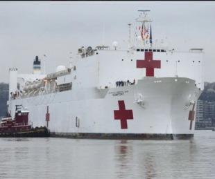 foto: Llegó a Nueva York el impresionante buque hospital