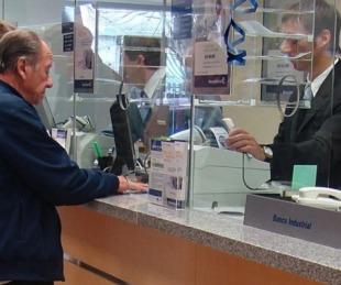 foto: Confirman que bancos abren desde el viernes para pagar jubilaciones