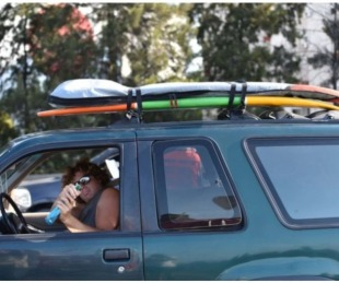 foto: El surfer pidió que le devuelvan la camioneta y las tablas