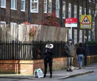 foto: Reino Unido: 708 nuevos muertos y anuncian nuevo récord diario
