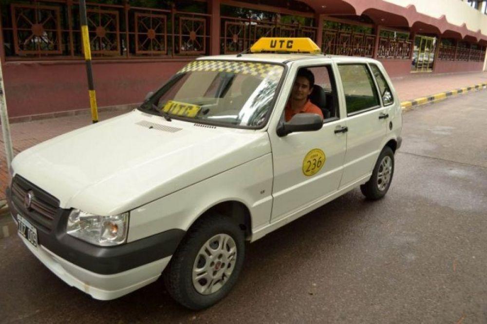 foto: Hoy comienza el pago del bono para remises, taxis y combis