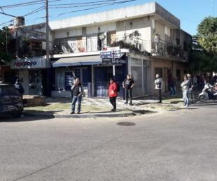 foto: Largas filas de quienes intentan pagar impuestos y servicios