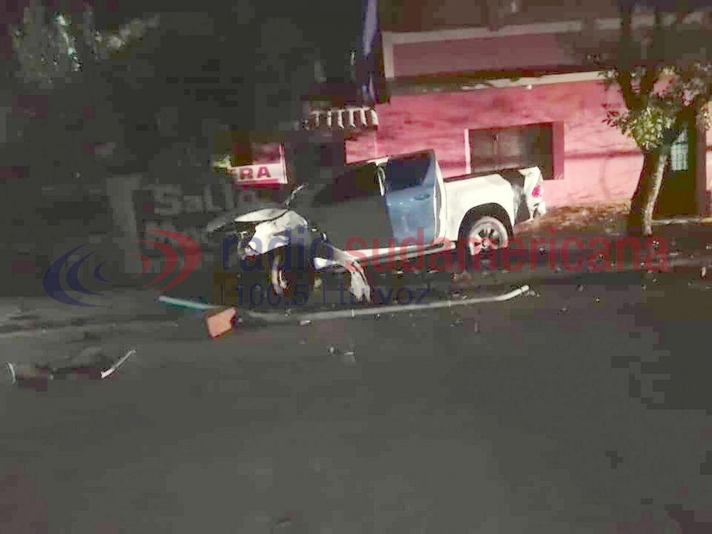 foto: Adolescente robó una camioneta de una concesionaria y la chocó