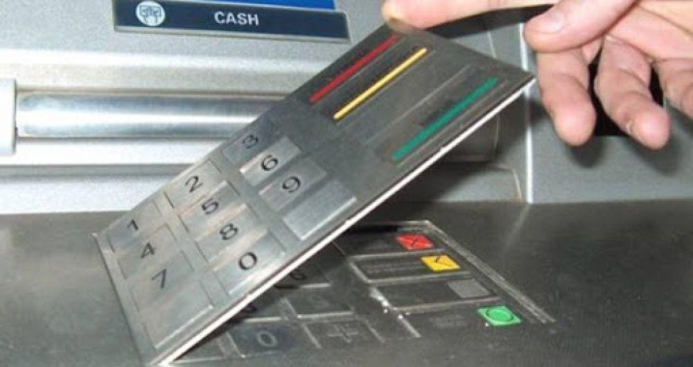 foto: Le habrían sustraído 21 mil pesos de su caja con una tarjeta clonada