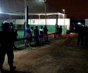 foto: Rompieron la cuarentena y fueron a jugar al fútbol: hay 44 demorados