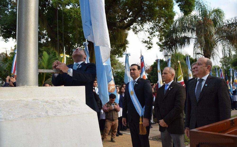 foto: Valdés encabezará el izamiento de la bandera y del Tedeum del 25