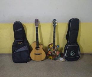 foto: Policías recuperaron guitarras que fueron robadas a un músico