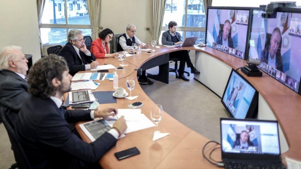 foto: Fernández con gobernadores: Es falso que se superó la pandemia