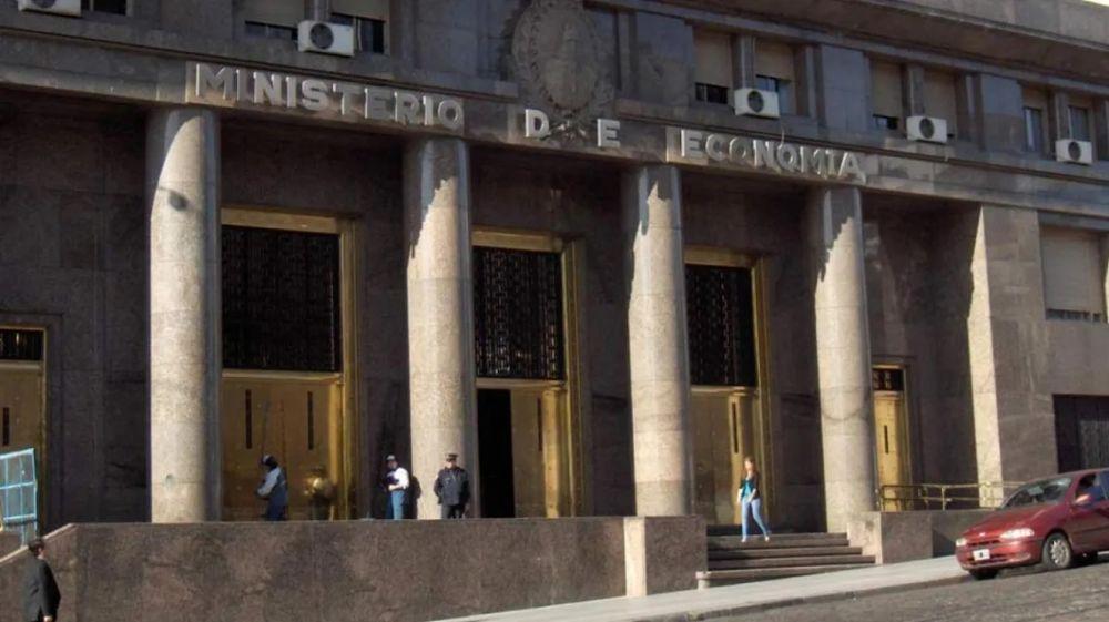 foto: Evacuaron el Ministerio de Economía por un escape de gas