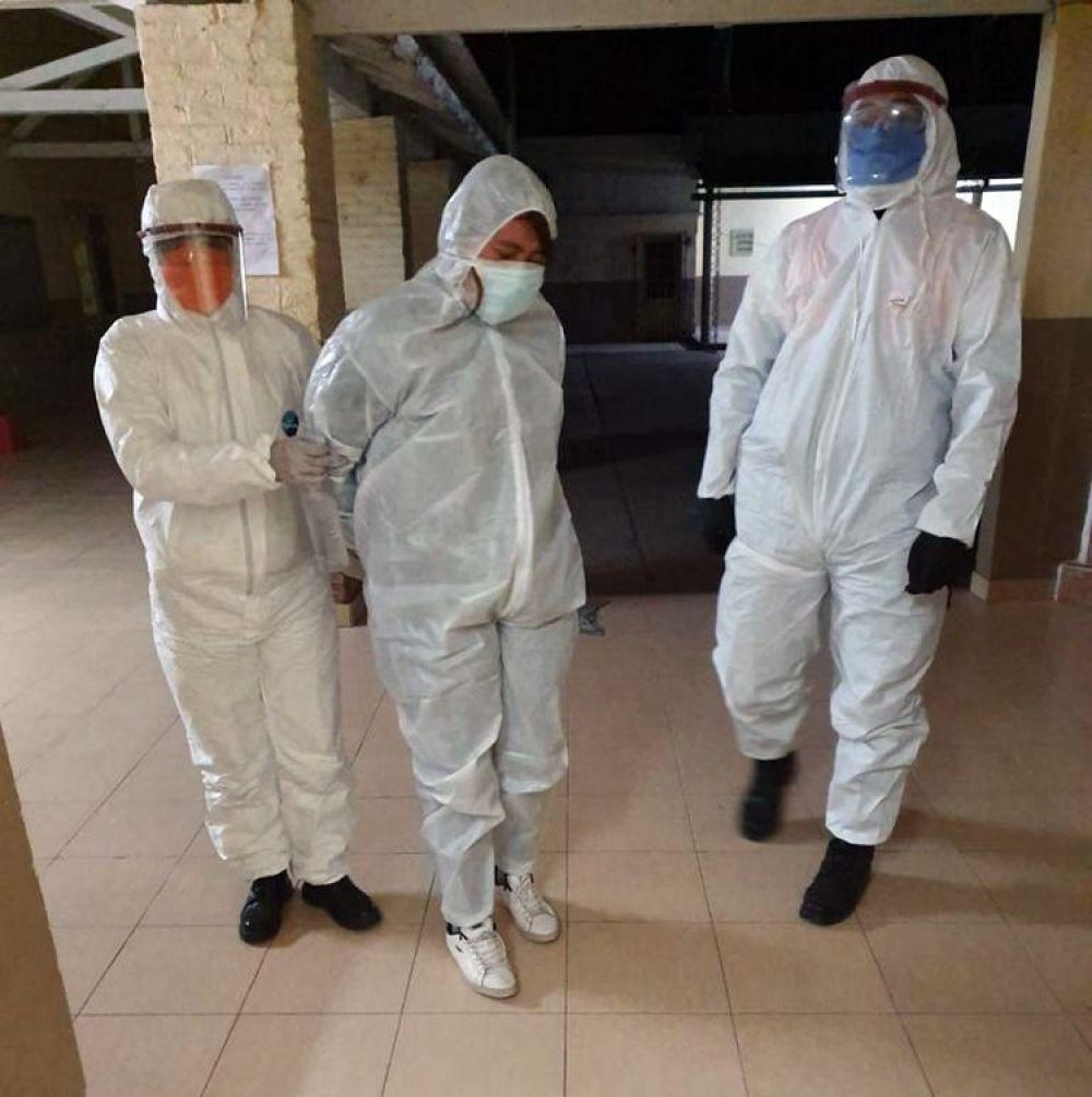 COVID: Aislan un pueblo porque una mujer tomó mate con una paciente