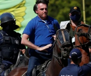 foto: Brasil: acusan al gobierno de ocultar los muertos por coronavirus
