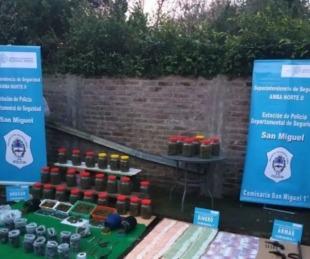 foto: Vendían marihuana escondida en frascos de mermelada