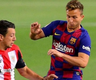 foto: Arthur ya está en Italia para sumarse a Juventus en raro intercambio