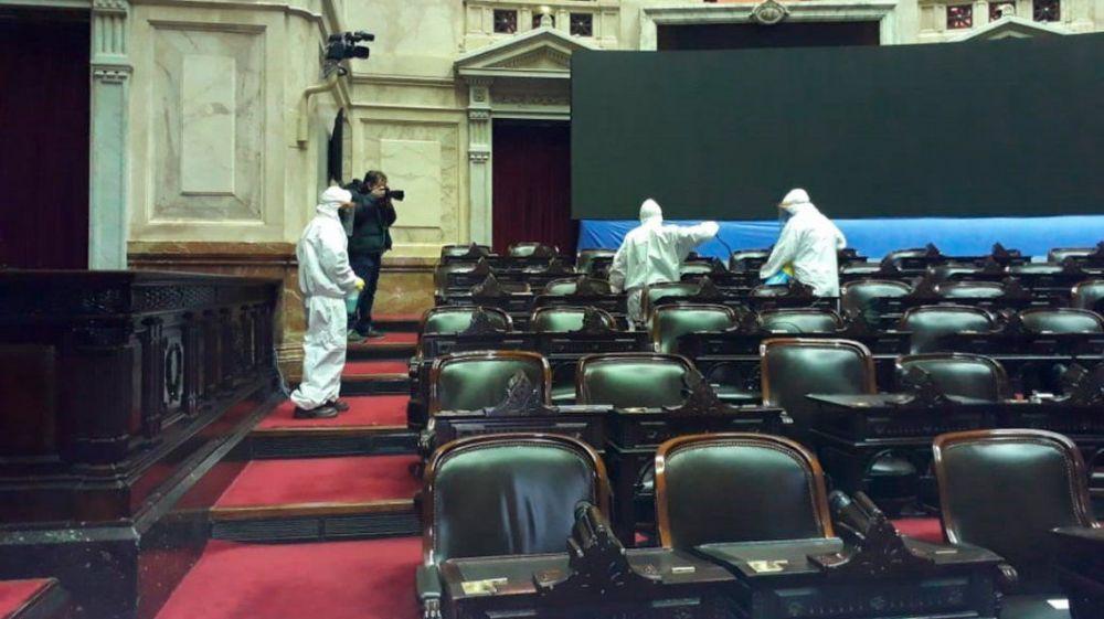 foto: Desinfectan la Cámara de Diputados y el anexo tras el caso positivo