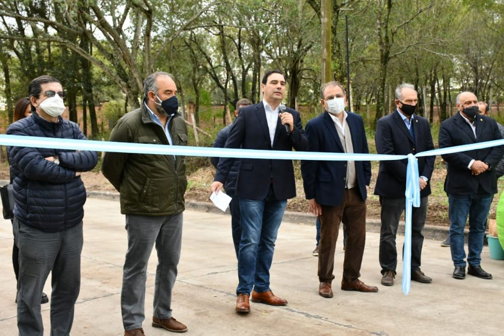 foto: Valdés inauguró 33 cuadras de pavimento y anunció más obras