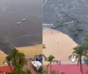 foto: Acapulco: indignante momento en que vierten aguas servidas en la playa