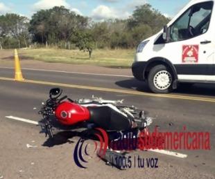 foto: Chocaron un camión y una moto: Hay un muerto y un herido grave