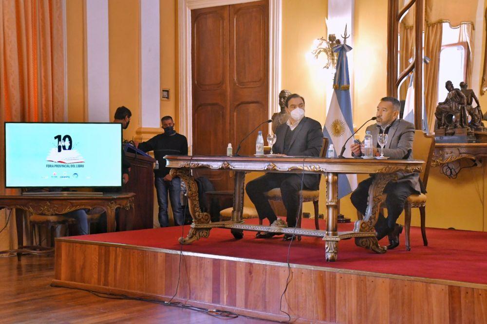 Valdés destacó la articulación que el libro tendrá con la tecnología