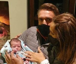 foto: Gabriel Batistuta fue abuelo: el exgoleador presentó a su primer nieto