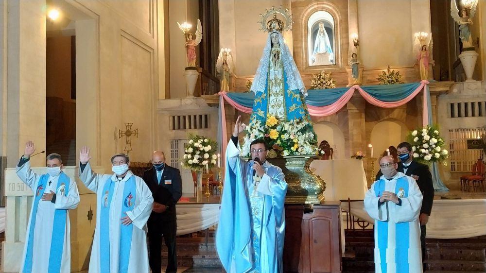 Con caravana y misa especial, Itatí honra a su Santa Patrona