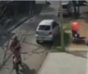 foto: Atropellaron con un camión a motochorros y salvaron a una mujer