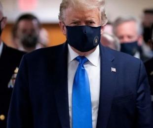 foto: E.E.U.U.: Trump sorprendió mostrándose por primera vez con barbijo