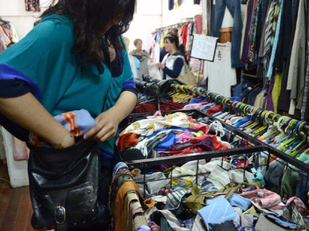 Mecheras fueron detenidas por robar calzas de una tienda