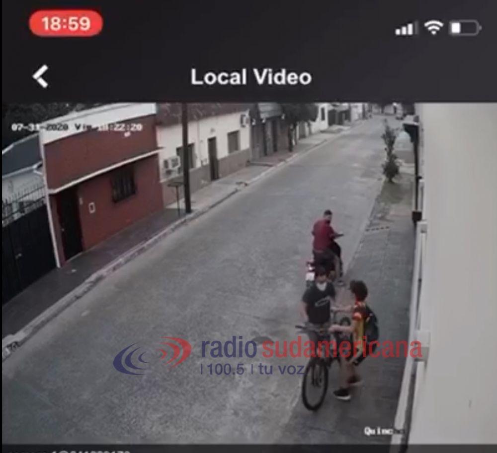 Motochorros le robaron la bicicleta a un adolescente de 14 años