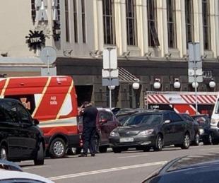 foto: Un hombre se atrincheró en un banco de Ucrania