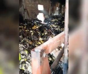 foto: Video: depósito quedó en ruinas tras el feroz incendio en Goya