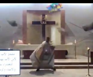Así se vivió la explosión en Beirut durante una misa televisada