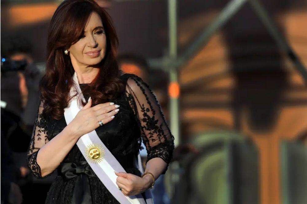 Cristina denunció a Google por aparecer como Ladrona de la Nación