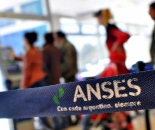 foto: ANSES: quiénes cobran AUH, IFE y AUE hoy jueves 13 de agosto