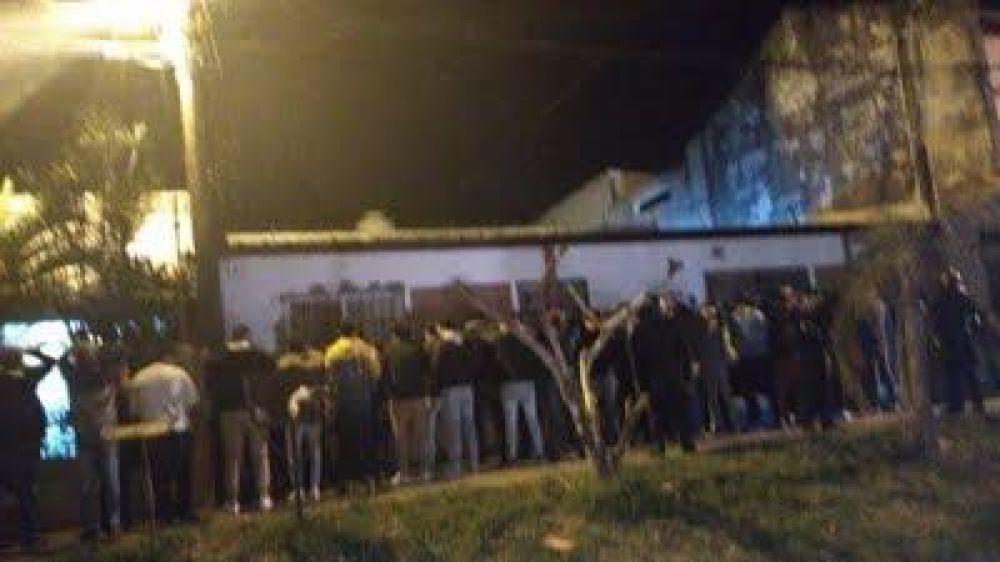 Dos fiestas clandestinas y más de 100 detenidos: mayoría de adolescentes