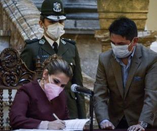 foto: Bolivia: exigirán prueba negativa de COVID-19 a pasajeros extranjeros