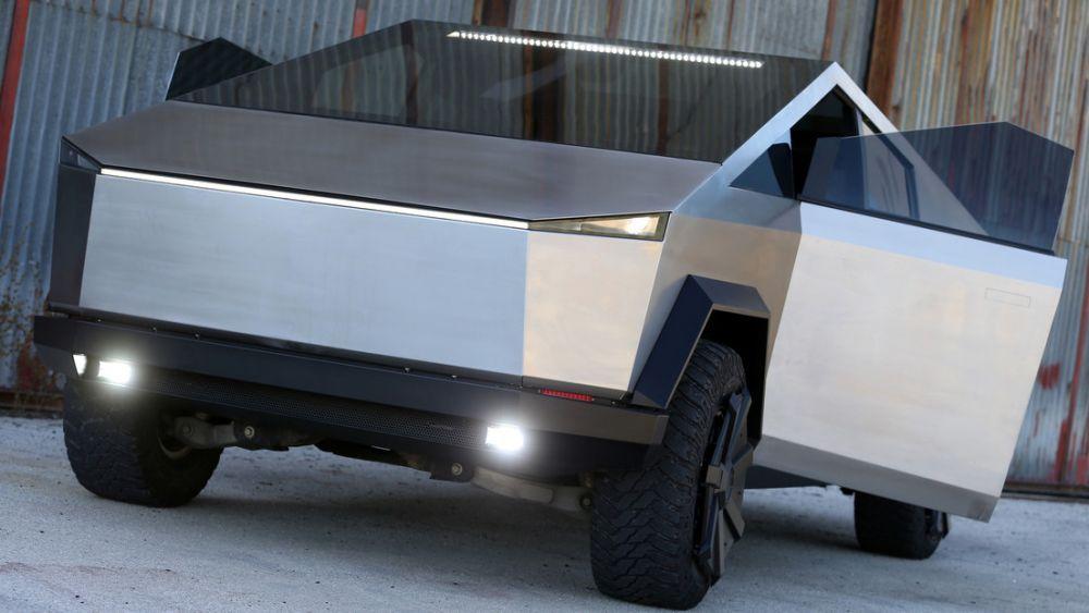 Armó su propia réplica de la camioneta eléctrica de Elon Musk