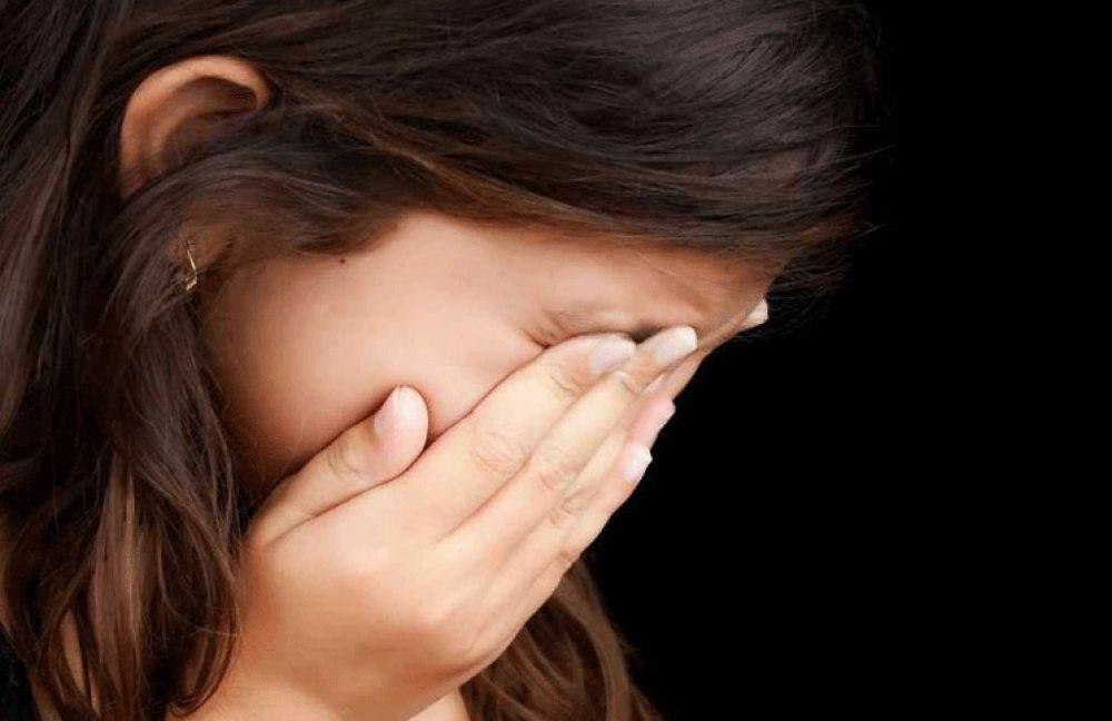 El padre les arruinó la vida a mis hijas, viven encerradas y él libre