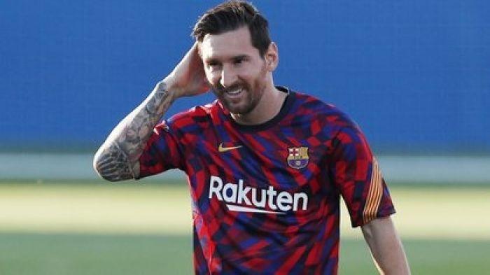 Se filtr贸 el nuevo dise帽o de la camiseta del Barcelona