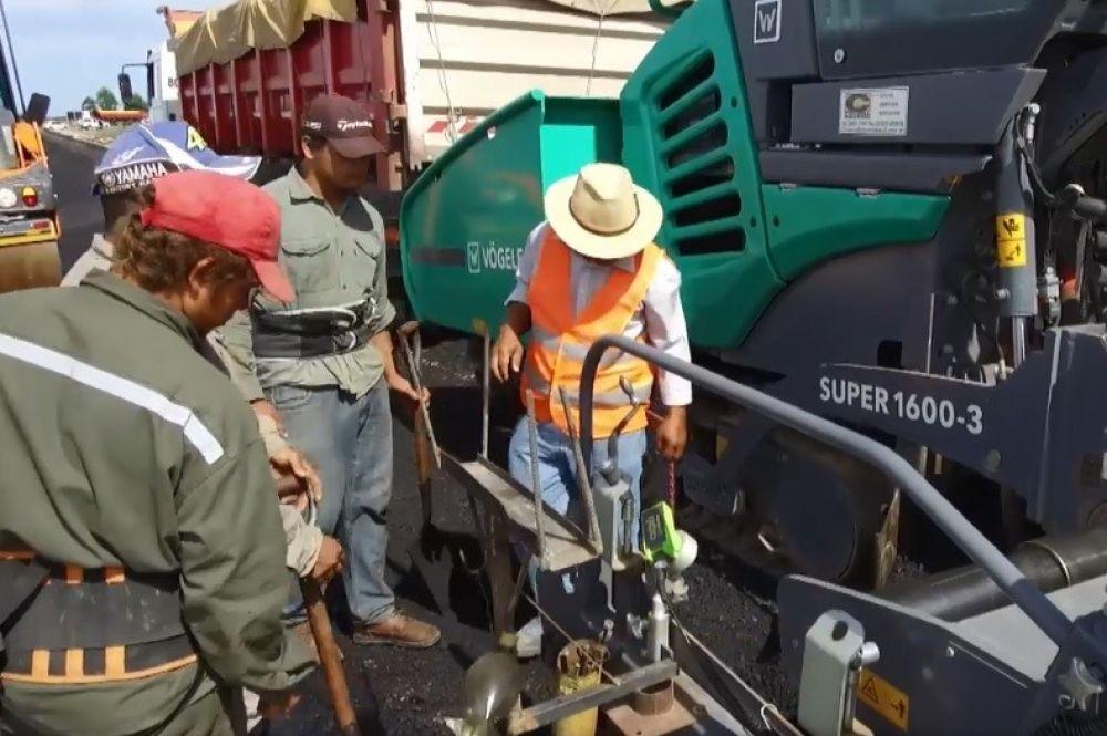 Provincia concluyó el asfalto y obras complementarias en el acceso sur hasta Sarmiento